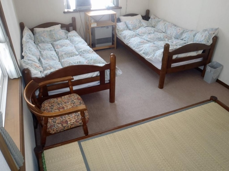 洋室・和室2〜3人部屋A