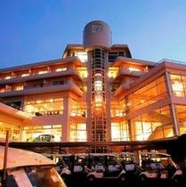 ホテル外観(夜景)◆