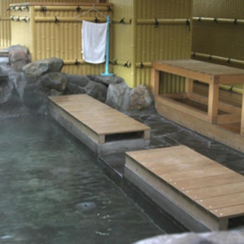 上諏訪駅の上りホーム内にある足湯