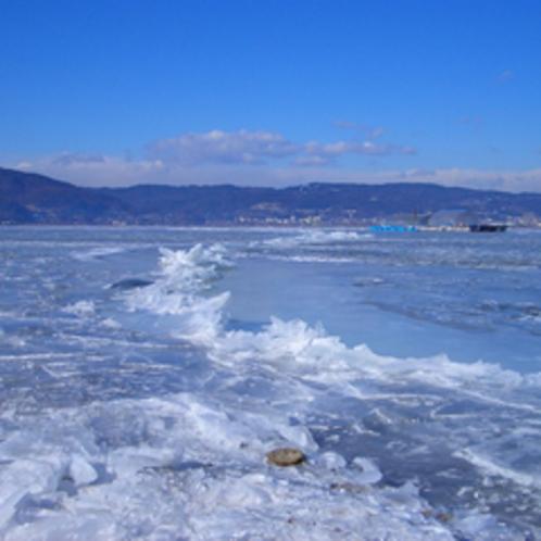 諏訪湖御神渡り(おみわたり)