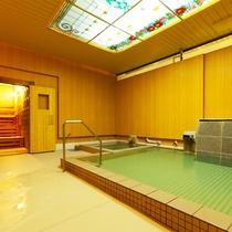 ■上諏訪(かみすわ)温泉小浴場(ご利用時間15:00〜24:00、05:00〜10:00)