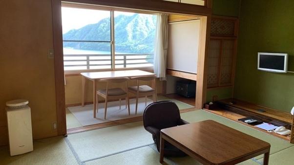 湖側 レトロな和室8畳【禁煙】