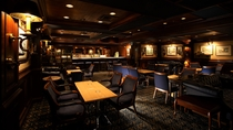 【レストラン】2階「ザ・ライブラリーバー」