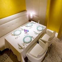 ■2階 フランス料理 「メゾン タテル ヨシノ」 個室 ※別料金