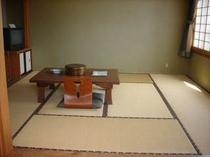 一般客室8〜10畳typ例