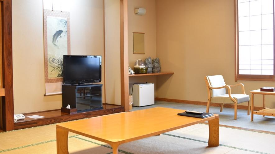 *【客室/新館12畳】広々としたお部屋でどうぞお寛ぎ下さいませ。