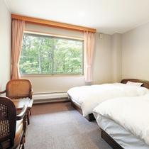 *【客室/本館洋室】本館唯一の洋室タイプのお部屋。バリアフリーにも対応しております。