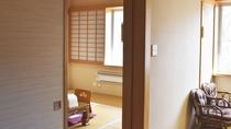 *【客室/本館15畳】お部屋が2部屋ございますので大人数にピッタリのお部屋となっております。