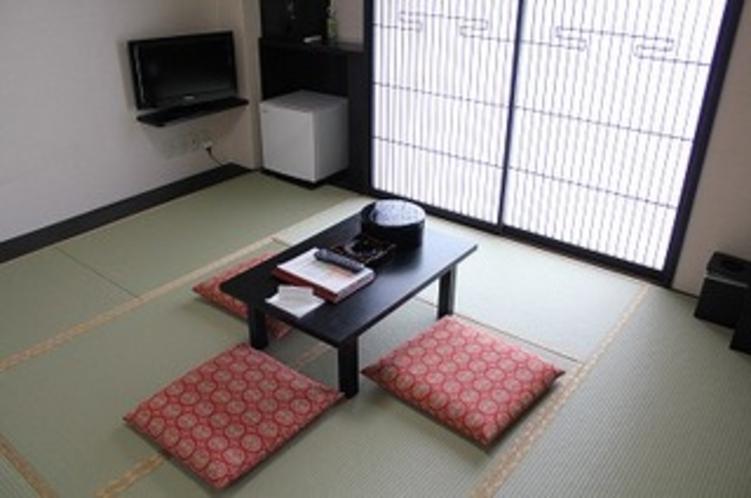 和室8畳 お風呂とトイレは別々のセパレート 加湿空気清浄機完備