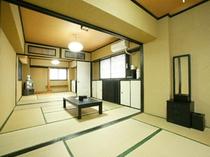 古都の中心に広々22畳和室 襖をはずしてグループ利用にピッタリ! 10名様までオーケー