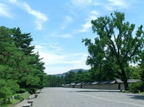 京都御所 当館より徒歩10分