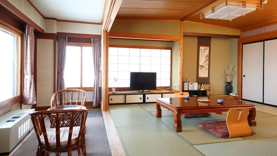 【らいちょう館■最上階和洋室】窓からの眺めをお楽しみください