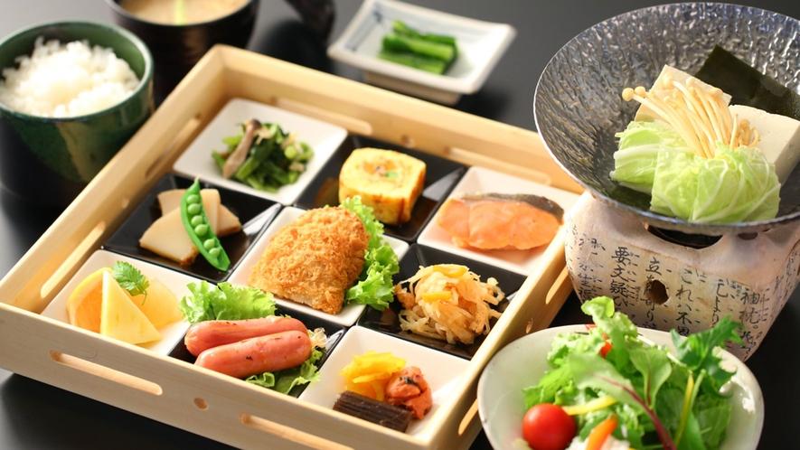 【夏・朝食セット】たくさんの味を楽しめます。たっぷり食べて1日の活力に!