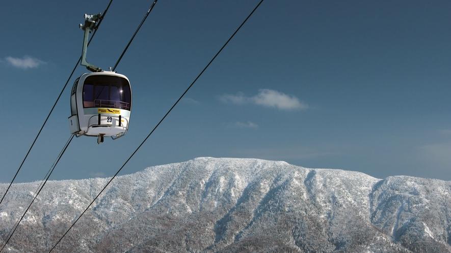 【冬】様々なスキー場が隣接する志賀高原。ゴンドラからの景色は◎