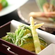 【6月・セットメニューの一品】竹の子の天ぷらも美味です!