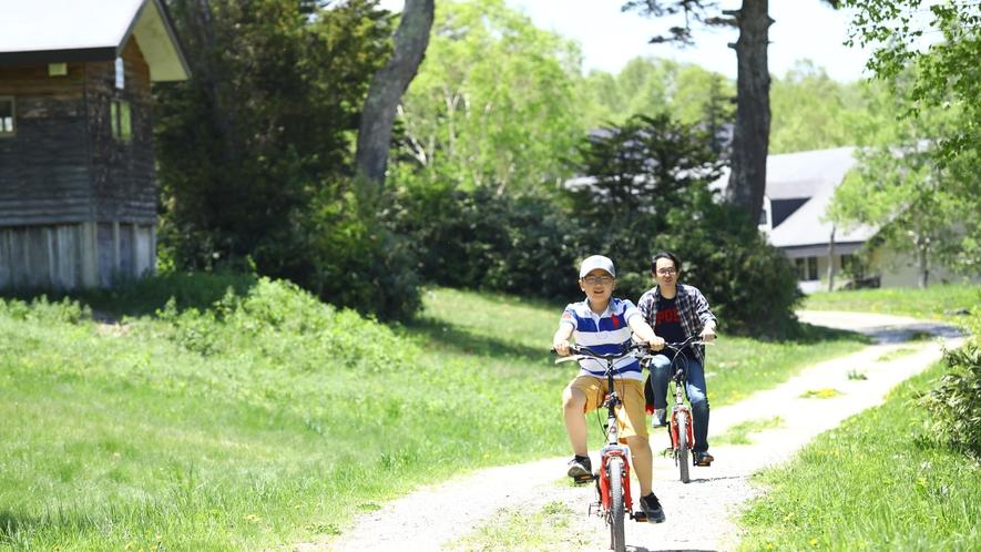 【夏】レンタルバイクもあります。緑の中を走ると気持ち良い~♪