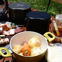 ■【飯ごう炊さん】カレー作り&飯ごう炊さんもお楽しみいただけます。BBQ串付き。