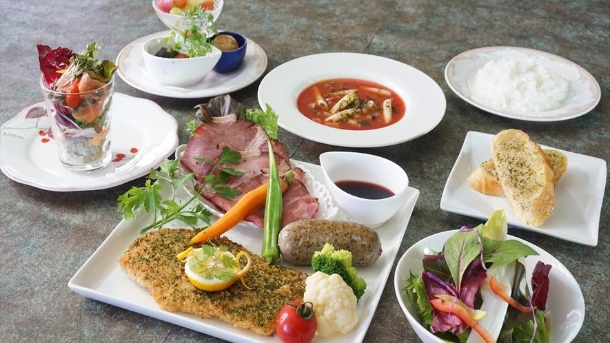 贅沢三昧三種の肉盛りプレート(春~秋☆基本プラン食事一例)