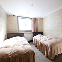 ■【かもしか館■洋室ツイン】フランスベッドでごゆっくり