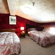 ■【らいちょう館■最上階メゾネット】ベッドルームは不思議な空間