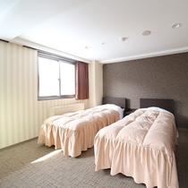 ■【かもしか館■洋室ツイン(バス付)】フランスベッドでぐっすり♪