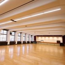 ■【音楽ホール】ホールの広さは120坪!ダンスや音楽合宿にご利用いただけます
