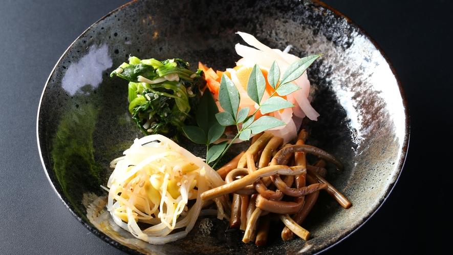 【焼肉】『焼肉おてんま』箸休めにナムルはいかがですか?