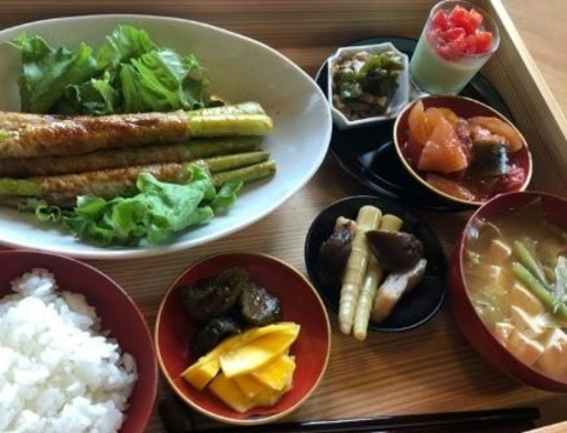 金曜・土曜日限定〈朝・夕食付〉プラン 夕食は光種(りしゅー)さとのわにて!
