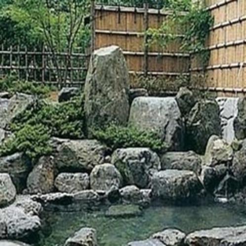 露天風呂(岩風呂)