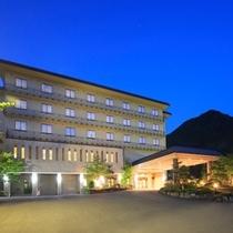 【ホテルさつき】外観(夜)