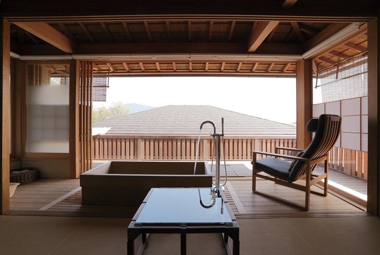 游僊 二階浴室のあるサロン