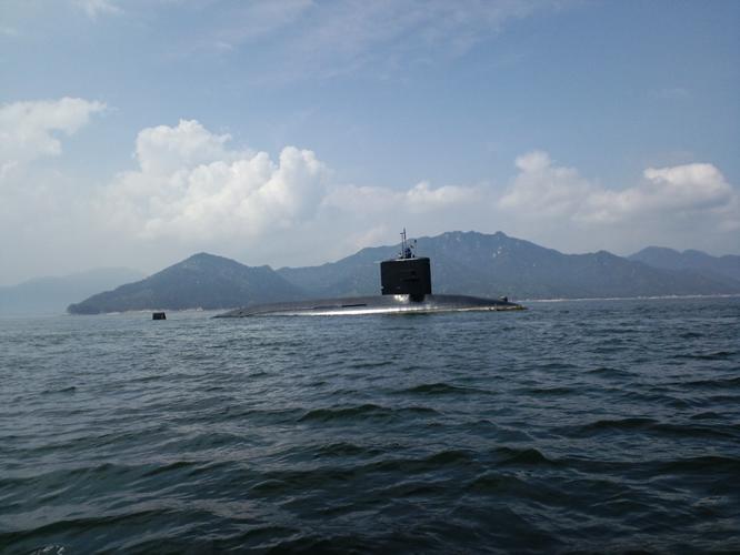宮島と潜水艦