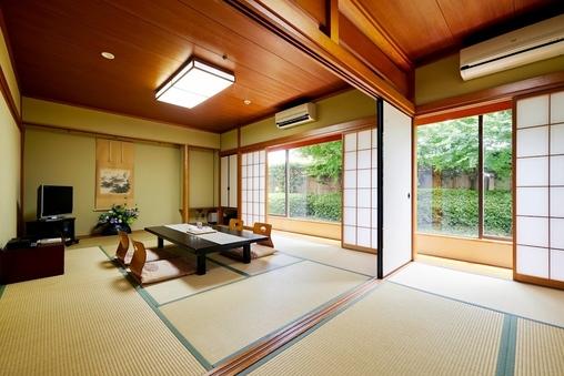 和室(喫煙・10畳+4畳)