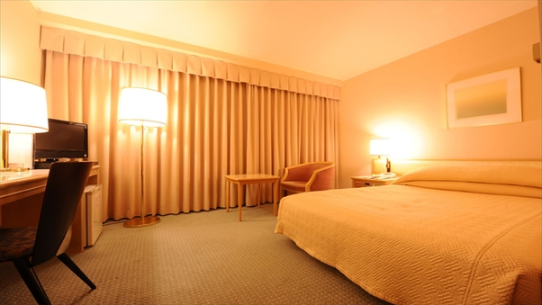 ダブル☆20平米のゆったり空間☆ベッド幅142cm