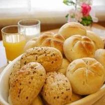 【朝食レストラン花茶屋】ヨーロッパより直輸入したヨーロピアンブレッドをご用意しております。