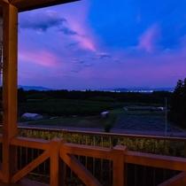 夕暮れの福島盆地 ATOMA檜のテラスから