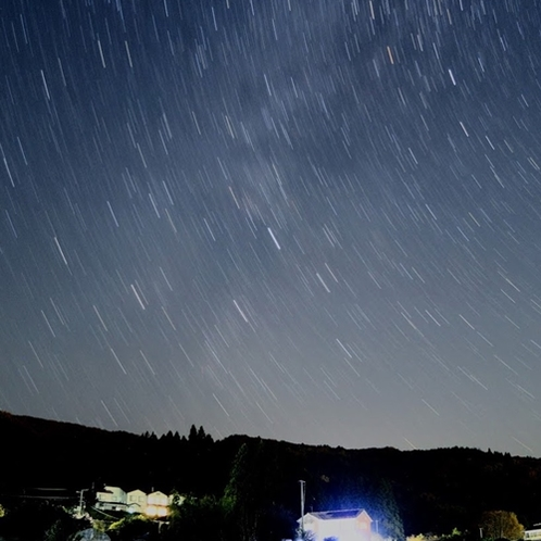 *里山の上空に広がる満天の星