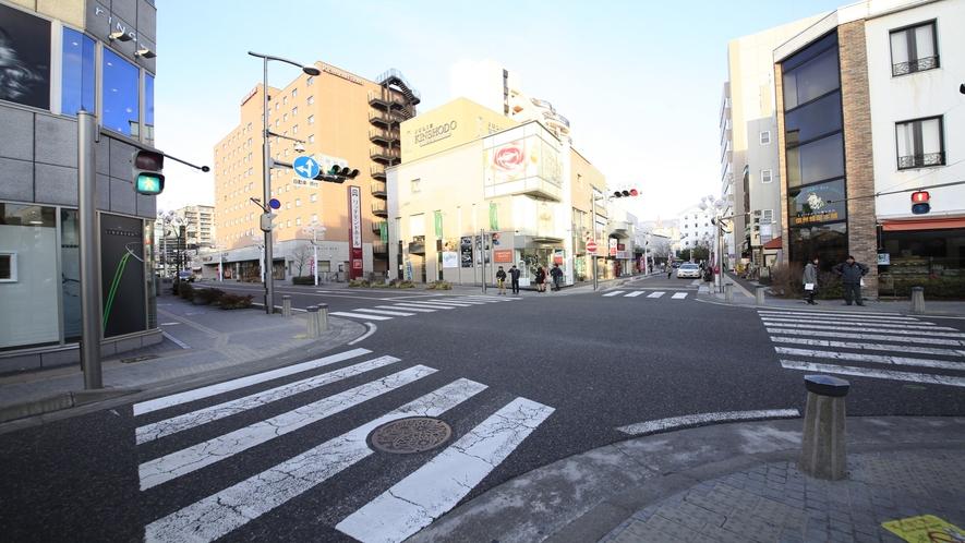 【アクセス】1つ目の交差点(神明町)を左へ。