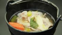 ■【夕食一例単品】旬の素材を盛り込んだ季節の鍋物
