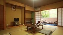 ■トレインビュー和室(10畳) 会津鉄道を眺めながらゆっくりお過ごしください
