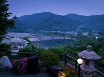 露天風呂から眺める錦帯橋