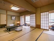 【川側和室8畳2間】和室2間で広々としたお部屋です。
