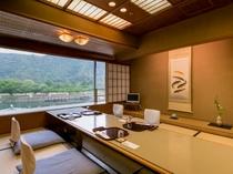 【個室】景色を眺めながらお食事をお召し上がりください。