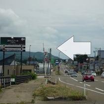[中郷ICから①]中郷IC出口で右折→国道18号線を直進→セブンイレブンさんがある交差点を左折。