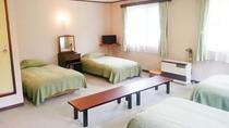 ・洋室5ベッドルーム