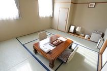 和室(8畳)一例