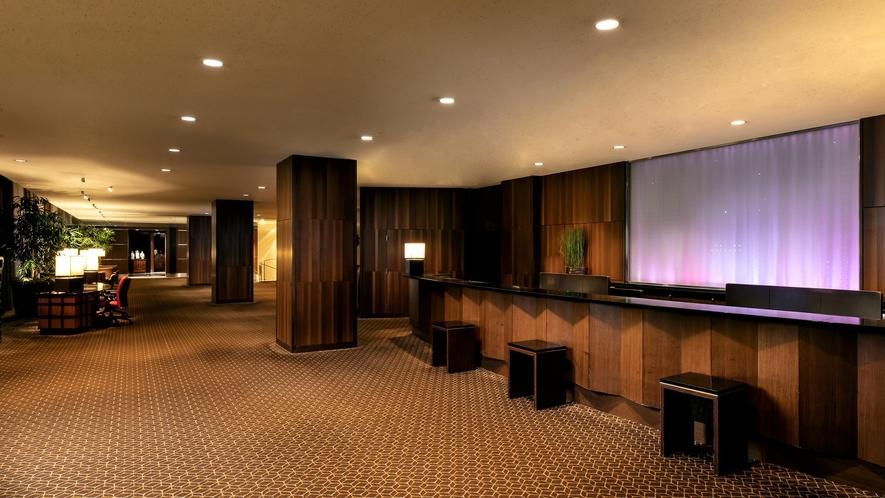 観光やレストランのご案内など、お気軽にフロントスタッフやコンシェルジュへご相談ください。