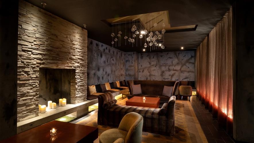 地下1階のメインバー「M BAR」はクラシックジャズが静かに流れる大人の隠れ家。個室もございます。