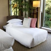 コンフォートフロア デラックスツインを3名でご利用の場合は、1台がソファーベッドになります。
