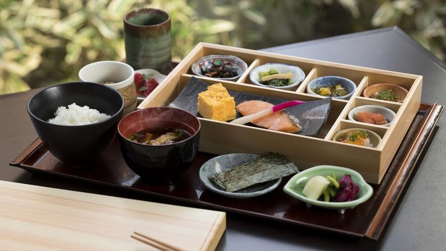 カフェ カリフォルニアの朝食では、和定食もご用意しております。